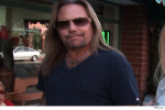 Vince Neil избегает тюрьмы за $1000