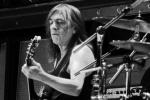 Скончался один из создателей AC/DC Малькольм Янг